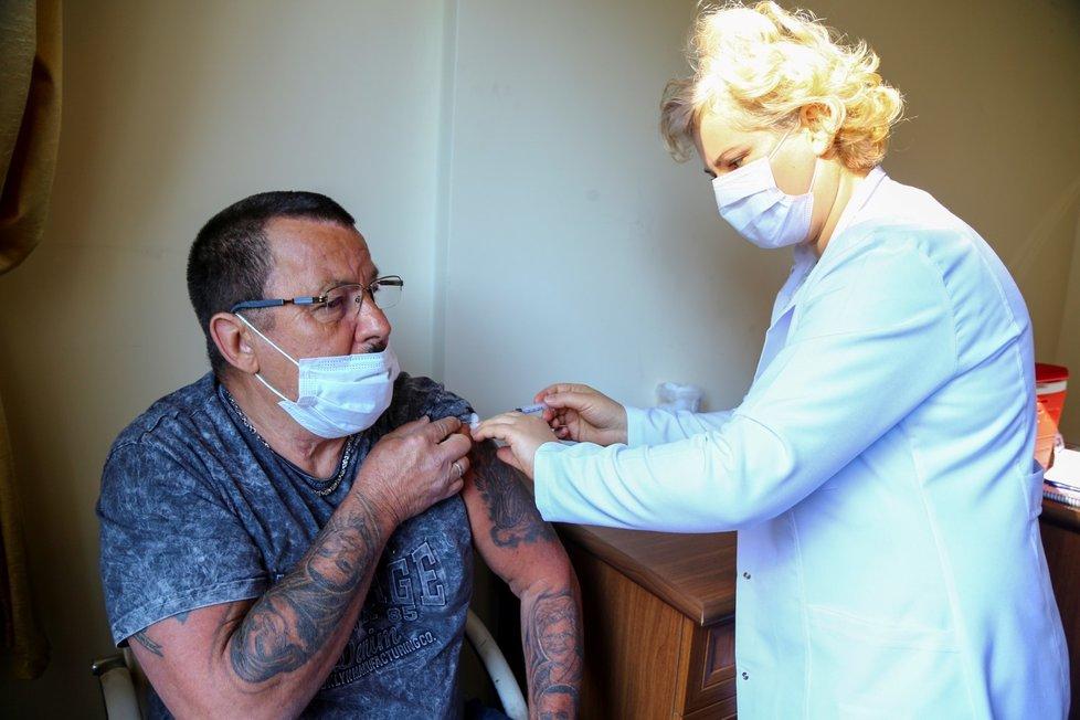 Očkování proti covidu-19 v Turecku (4. 3. 2021)