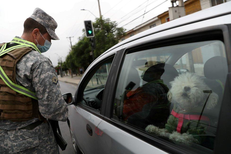 Koronavirus v Chile: Podobně jako i v ČR se v Chile kontroluje přejezd mezi okresy a lokalitami