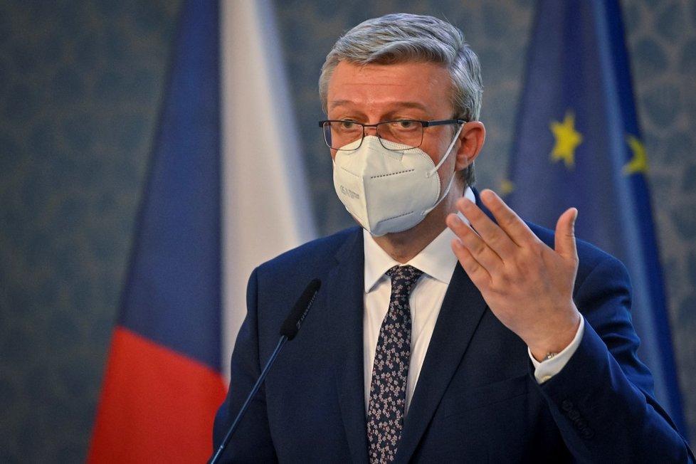 Ministr průmyslu a obchodu a ministr dopravy Karel Havlíček (za ANO) vystoupil na tiskové konferenci po schůzi vlády (22. 3. 2021)