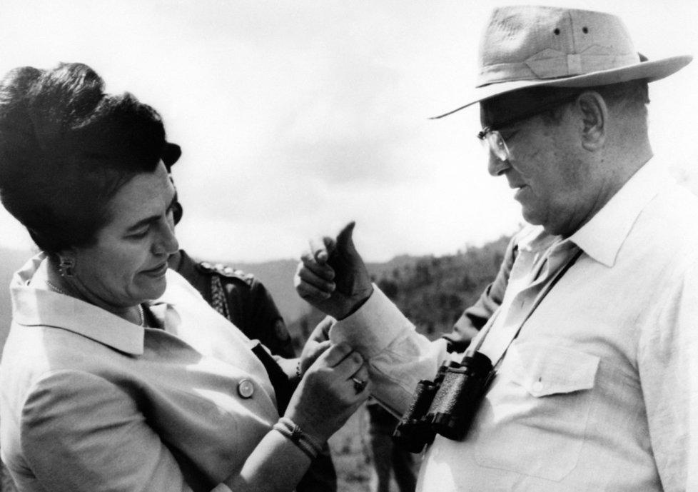 Jovanka Titoová s manželem Josipem Brzem Titem