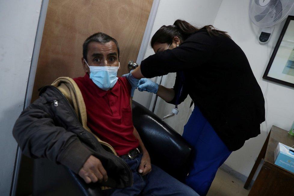 Očkování proti koronaviru v Chile.
