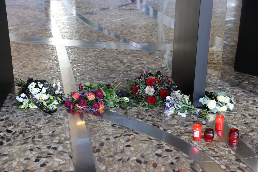 Pietní místo PPF Gate v pražských Dejvicích