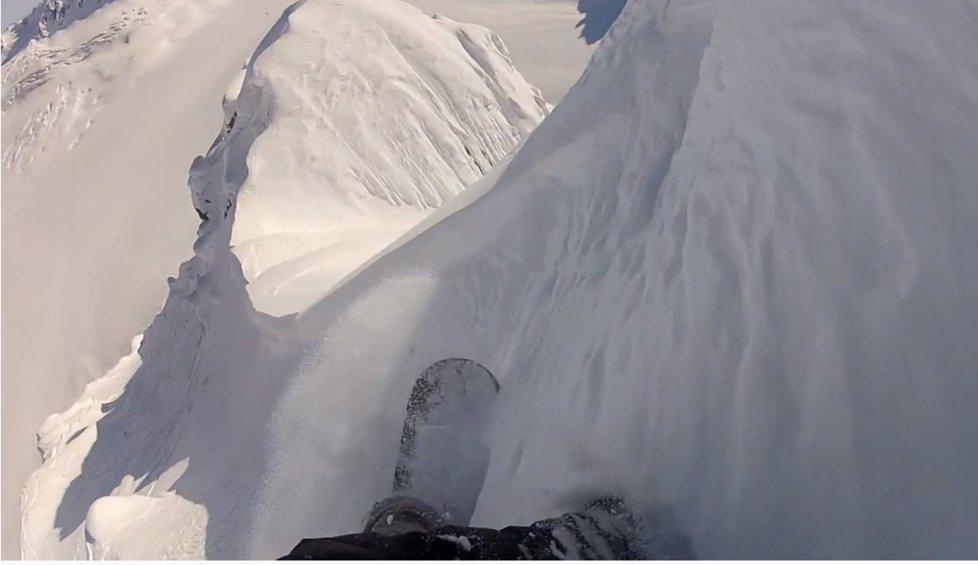 Záběry z videa Davida Horvátha