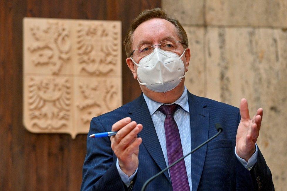 Nový ministr zdravotnictví Petr Arenberger (za ANO) vystoupil 9. dubna 2021 v Praze na brífinku k aktuální epidemické situaci.