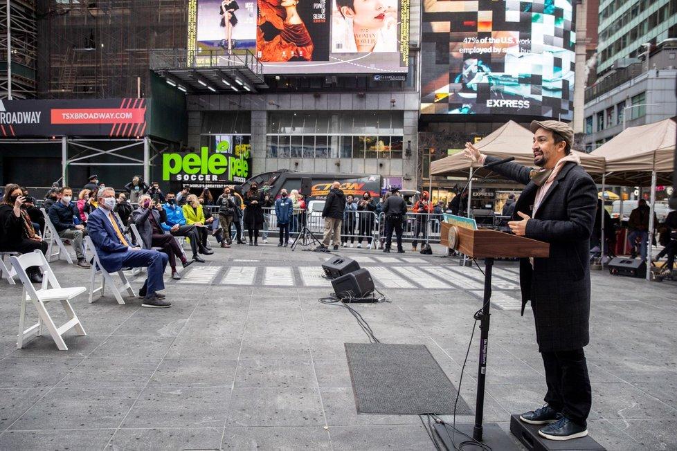 Spuštění očkovacího centra na Broadwayi v samotném centru New Yorku (12. 4. 2021)