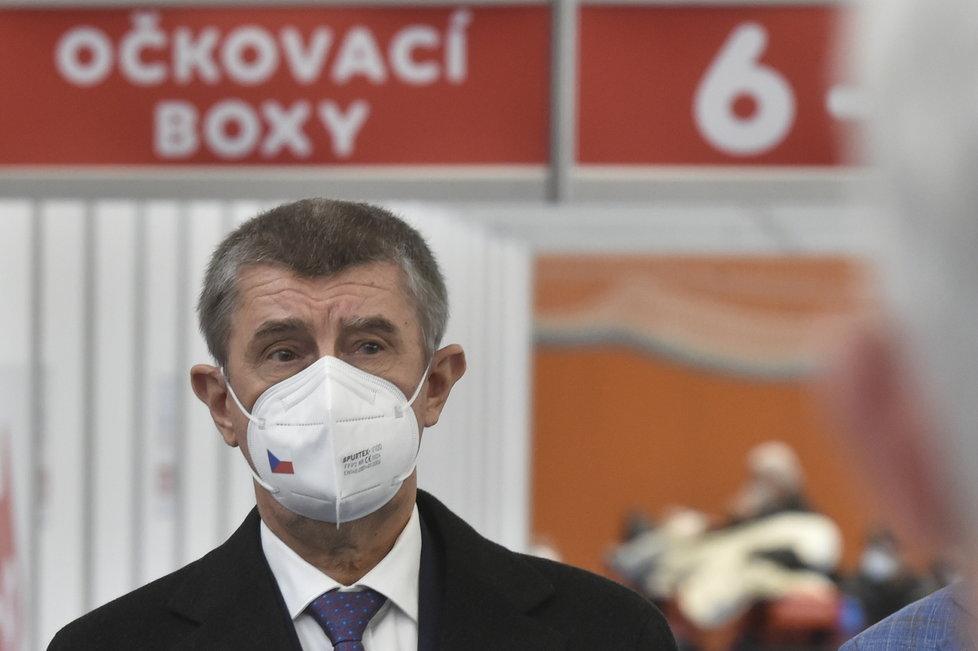Babiš v Moravskoslezském kraji: Prohlídka očkovací haly v Havířově (16.4.2021)