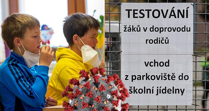 Do Základní školy bratranců Veverkových v Pardubicích se vrátili žáci prvního stupně (12. 4. 2021), Žáci prvního stupně ZŠ Mezi školami v Praze si v doprovodu rodičů provádějí antigenní test. (12. 4. 2021).