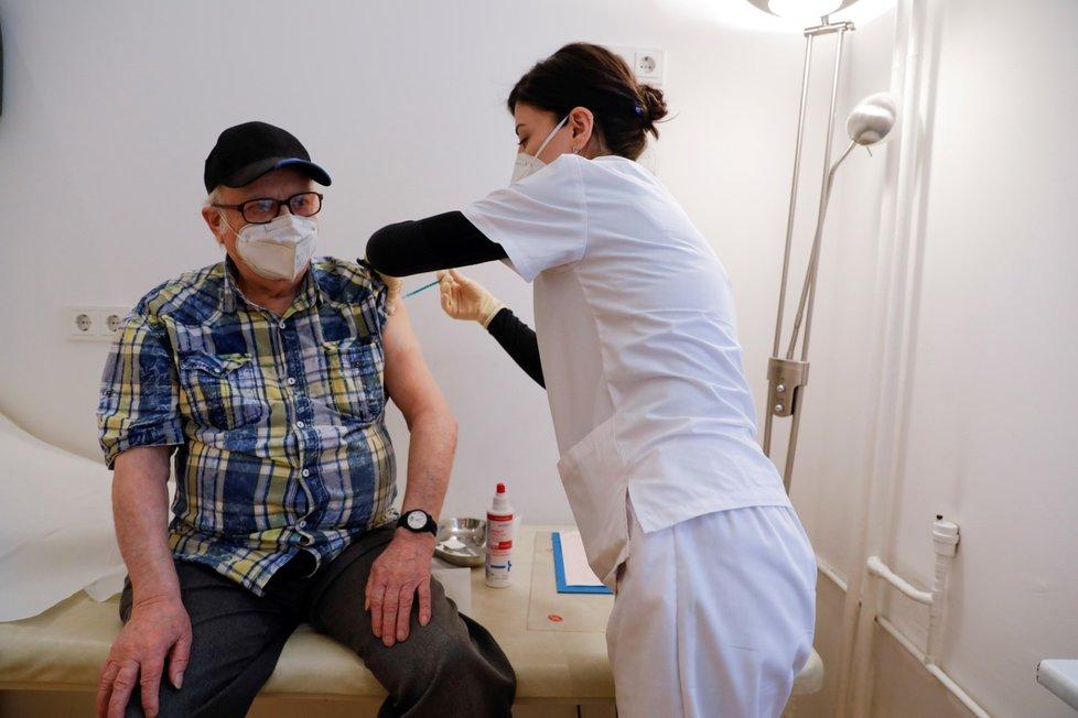 Očkování proti koronaviru v Německu.