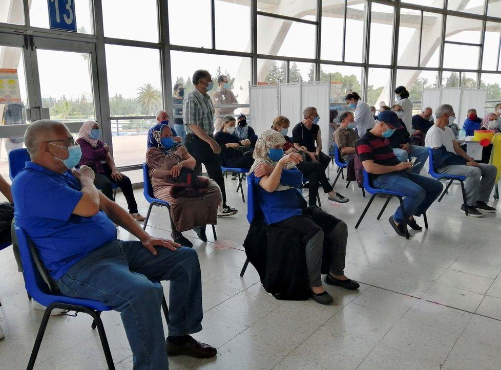 Očkování proti covidu-19 v Tunisku