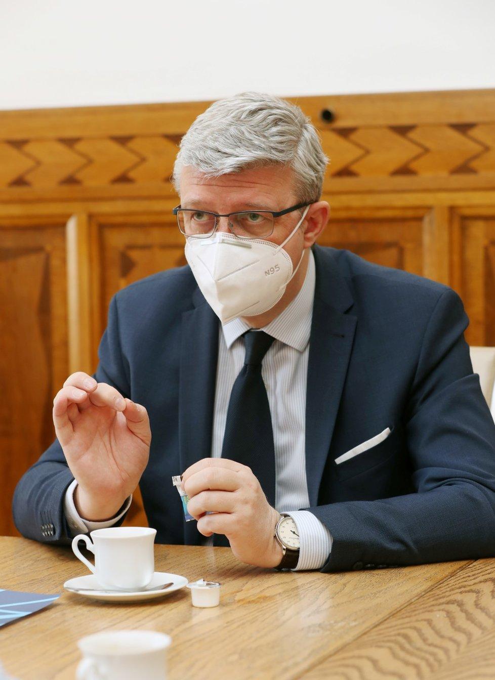 Místopředseda vlády, ministr průmyslu a obchodu a šéf resortu dopravy Karel Havlíček během rozhovoru pro Blesk (30. 4. 2021)