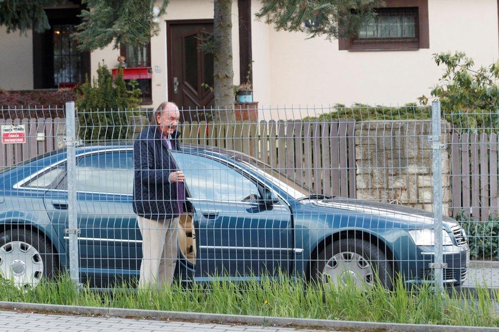 Gratulanti dorazili k Jiřině Bohdalové: František Janeček