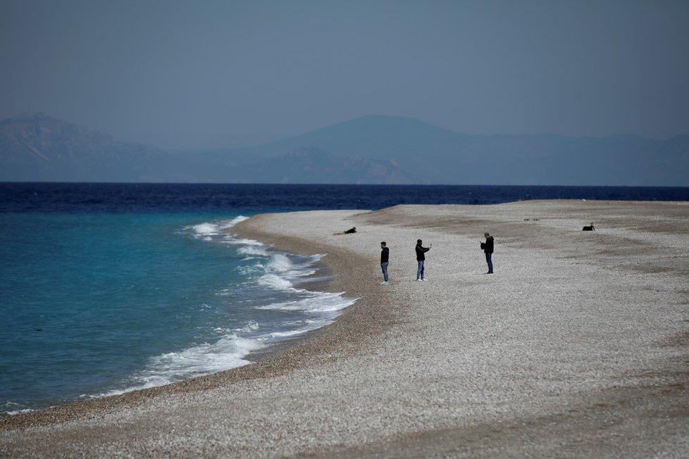 Řecký Rhodos se chystá na letní sezonu.
