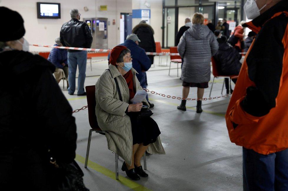 Očkování proti koronaviru v Polsku (duben 2021)