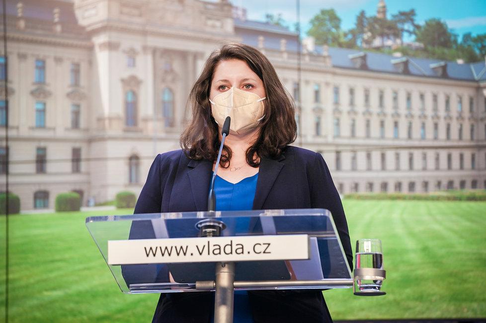 Tiskovka po jednání vlády: Ministryně práce a sociálních věcí Jana Maláčová