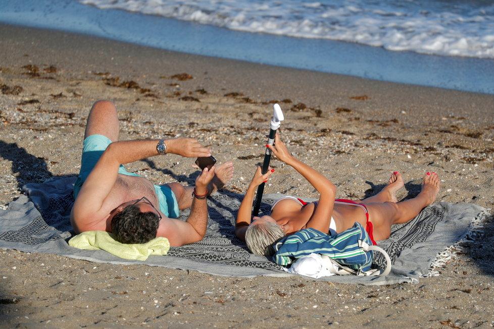 Koronavirus ve Španělsku a ožívající pláže: Benalmadena, ležící 12 km od Malagy (7.6.2021)
