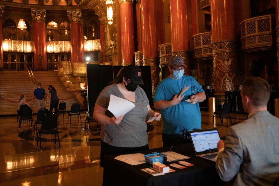 Očkování proti covid-19 v americkém Detroitu (12. 6. 2021)