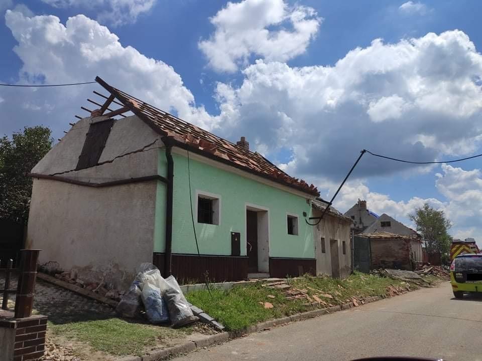 Moravská Nová Ves je jedno z míst, které krutě poznamenalo čtvrteční tornádo.