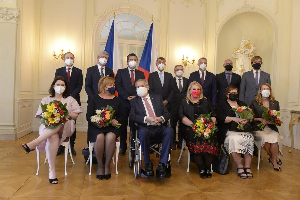 Kabinet premiéra Andreje Babiše (ANO) na obědě s prezidentem Milošem Zemanem (28.6.2021)
