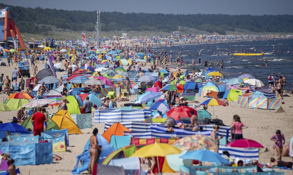 Vedro vyhnalo Němce a turisty k Baltu