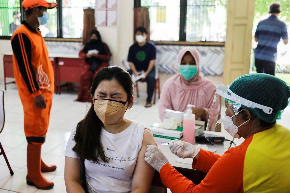 Očkování proti koronaviru v Indonésii