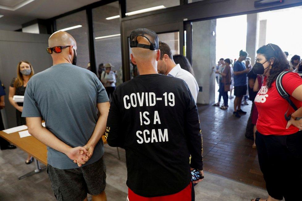 Koronavirus v USA: Covid je podvor, hlásí demonstrující na Floridě (29.7.2021)