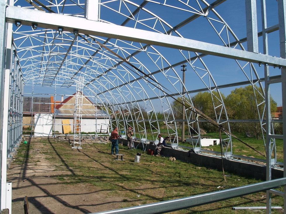 Kousek za Prahou vyrůstá největší soukromý tropický skleník.