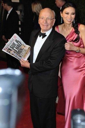 Třetí manželka Ruperta Murdocha Wendi Deng se o přátelství expremiéra Blaira a miliardáře Murdocha prořekla v rozhovoru pro Vogue.