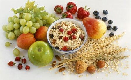 Nejíte žádné maso, ryby, mléko, vejce, med ani další potraviny živočišného původu. Povolené jsou brambory, obiloviny, těstoviny, rýže, ovoce, zelenina, ořechy a další potraviny bez živočišných přísad.