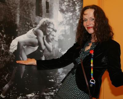Sára Saudková se svým uměním.