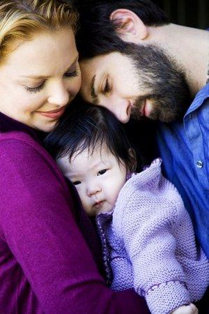 Rodina pohromadě, chybí jen nedávno adoptovaná holčička