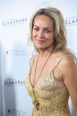 Sharon Stone má ráda mladší muže, o dost mladší muže...