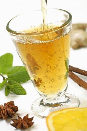 Bylinkové čaje jsou velmi účinné.Věděly to už naše prababičky.