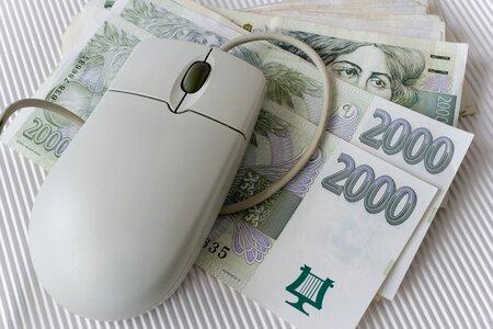 Smlouvu o penzijním spoření, které vám v důchodu může vynést až milionové úspory, můžete uzavřít i přes počítač