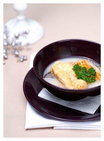 Rybí polévka je klasikou štědrovečeního stolu