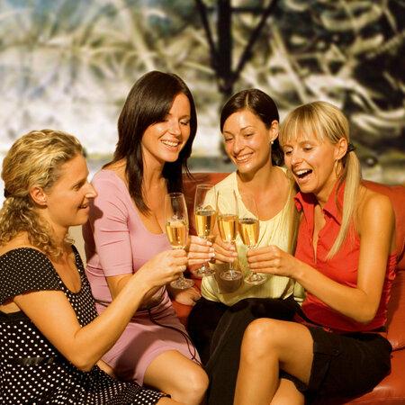 Šampaňské a sekty jsou slavnostní pití a jejich obliba stoupá