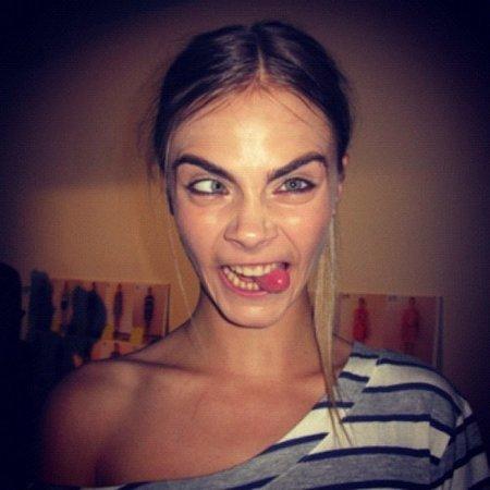 Modelka Cara Delevingne je svými grimasami pověstná.