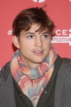 Ashton Kutcher byl kvůli problémům se slinivkou odvezen do nemocnice