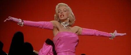 Ve filmu Páni mají raději blondýnky.