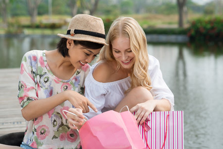 Také vás ovládla jarní nakupovací mánie?