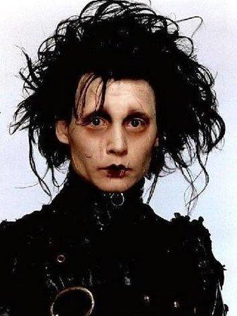 Johnny Depp jako Střihoruký Edward
