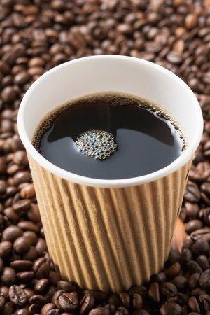 Kávový lógr na slimáky zabírá