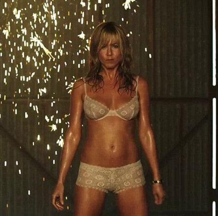 Takto vypadá tělo Jenifer Aniston (44)