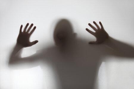 Duch expřítele straší v domě rodičů.
