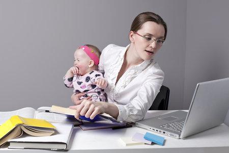 Práce i péče o batole se dají skloubit snadněji, než si myslíte.