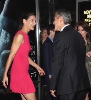 George a Katie jsou novým sexy párem Hollywoodu!