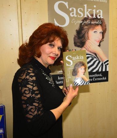 Saskia Burešová na sebe ve své nejnovější knize prozradila vše.