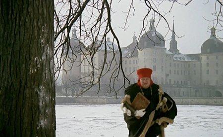 Herec Jan Libíček si věčně stěžoval na příliš těžký kožich, kvůli němuž i padal.