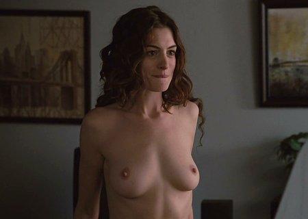 Anne Hathaway ve filmu Láska a jiné závislosti