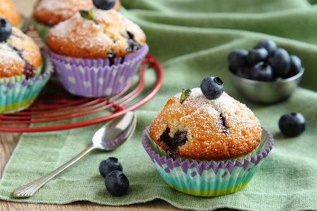 Muffiny jsou ideální snídaní nebo svačinou - připravíte je s ovocem, čokoládou nebo sýrem a jsou hned hotové.