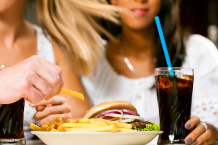 """Věděli jste, že """"dietní"""" nápoje zvyšují chuť k jídlu?"""